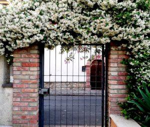 ingresso-esterno-Residence-il-Leccio-Paganico